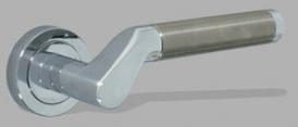 Ручка  дверная на розетке Dione